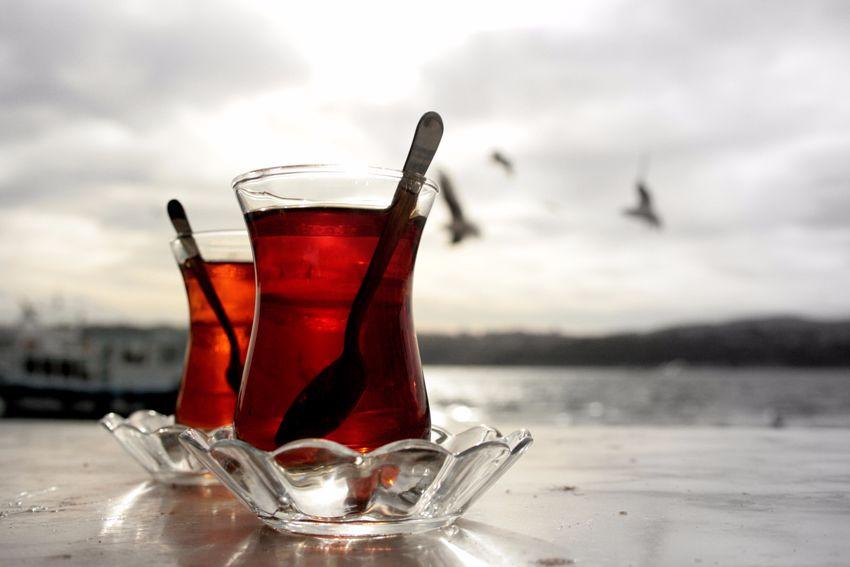 Çay içmek harareti alır mı