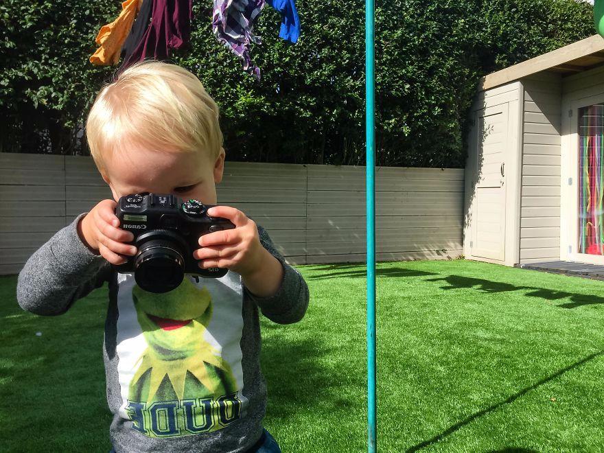 19 Aylık Genç Fotoğrafçı