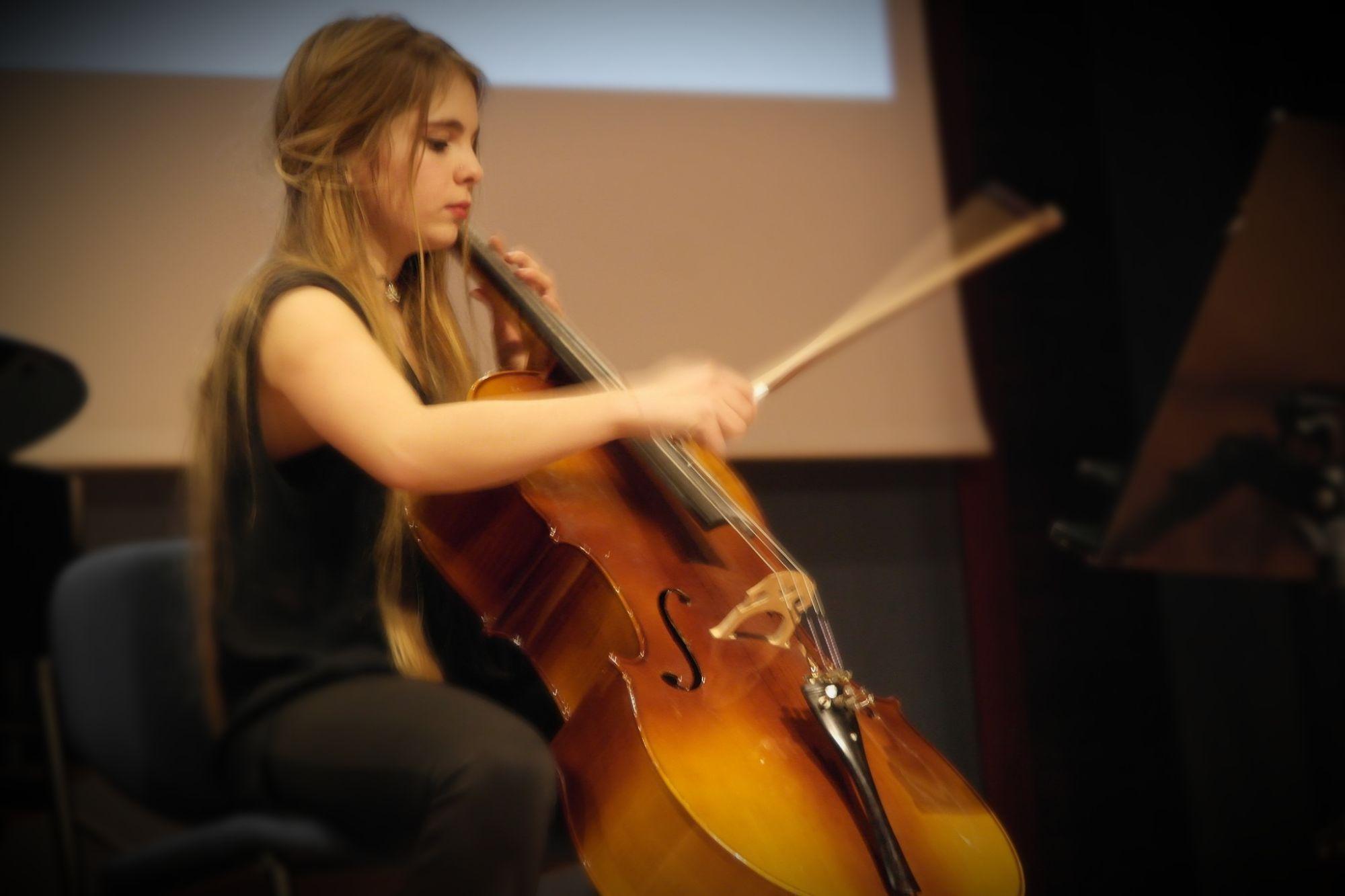 Orkestrada Çello Çalmak