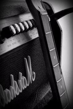 Elektro Gitar Amfi